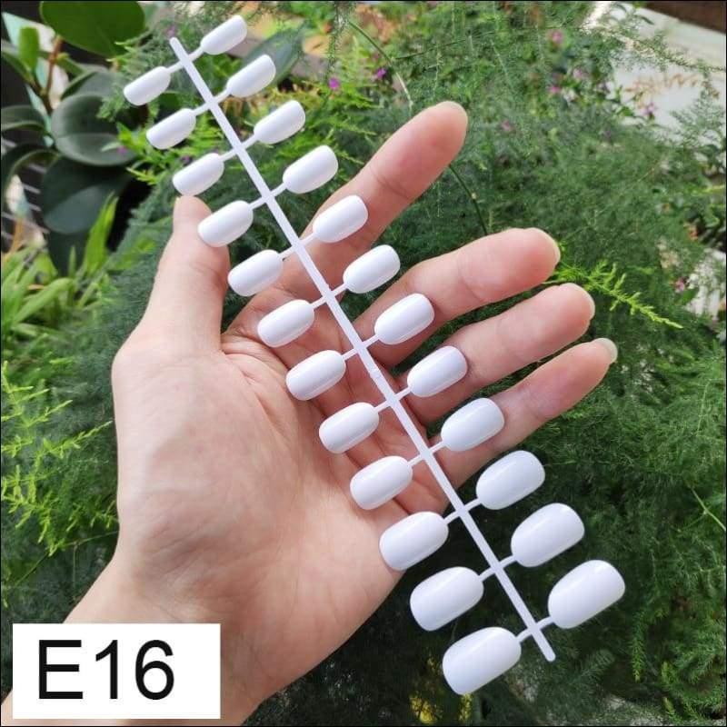 432 pcs/pack Mixed 18 Colors Full Short Round Nail Tips - E16 X 5PCs - False Nails