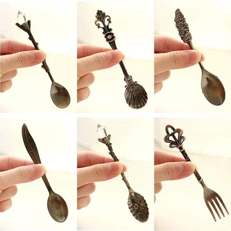 Royal Vintage Spoon Set - Spoons
